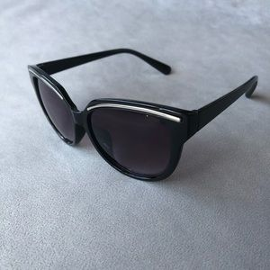 Black Sunglasses with Silver Accent ~ NWT